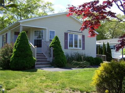 South Kingstown Single Family Home For Sale: 100 Starlight Dr