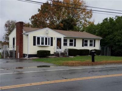 Bristol County Single Family Home For Sale: 789 Metacom Av