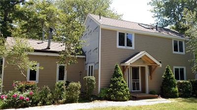 South Kingstown Single Family Home For Sale: 223 Indian Trl S