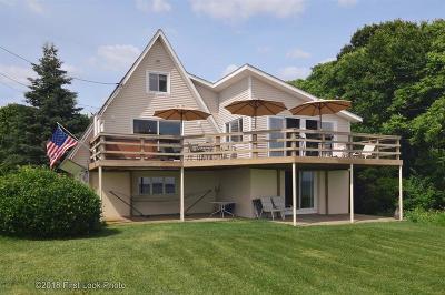 Warwick Single Family Home For Sale: 123 Budlong Farm Rd