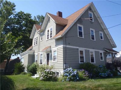 Cranston Single Family Home For Sale: 14 Sefton Dr
