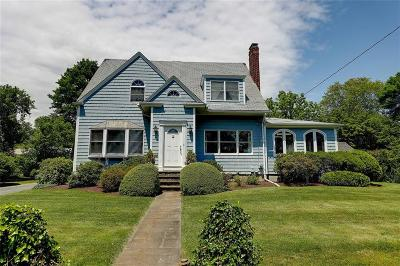 Bristol County Single Family Home For Sale: 9 Elton Rd