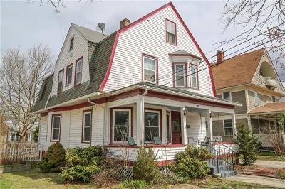 Cranston Multi Family Home For Sale: 127 Massasoit Av