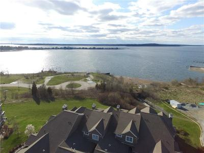 Tiverton Condo/Townhouse For Sale: 71 Waters Edge