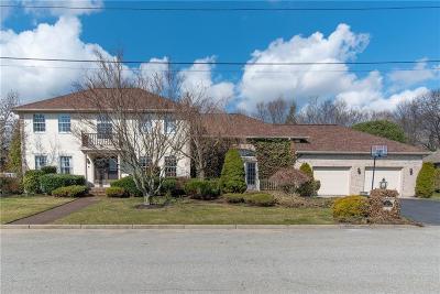 Cranston Single Family Home For Sale: 34 Phenix Ridge Dr