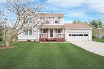 North Kingstown Single Family Home For Sale: 77 Hidden Lake Dr