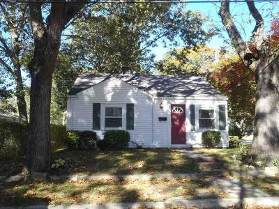 East Providence Single Family Home For Sale: 121 Anson Dr