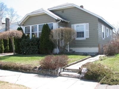 Pawtucket Single Family Home For Sale: 117 Crescent Rd