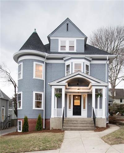 Cranston Single Family Home For Sale: 32 Arnold Av