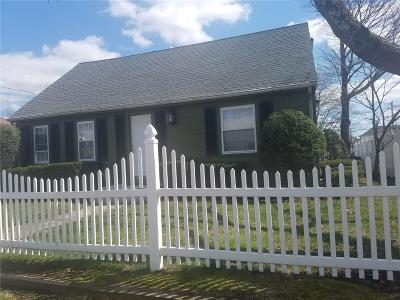 Pawtucket Single Family Home For Sale: 75 Dawson St