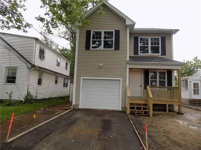 Providence RI Single Family Home For Sale: $299,500