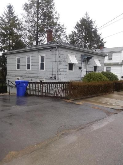 Pawtucket Single Family Home For Sale: 100 Fillmore St