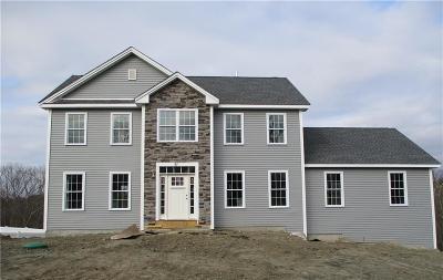 Cumberland Single Family Home For Sale: 51 Billington Cir