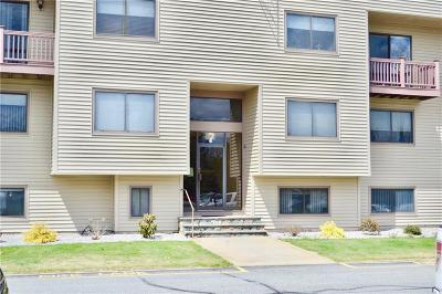 Lincoln Condo/Townhouse For Sale: 196 Old River Rd, Unit#7c South #7C South