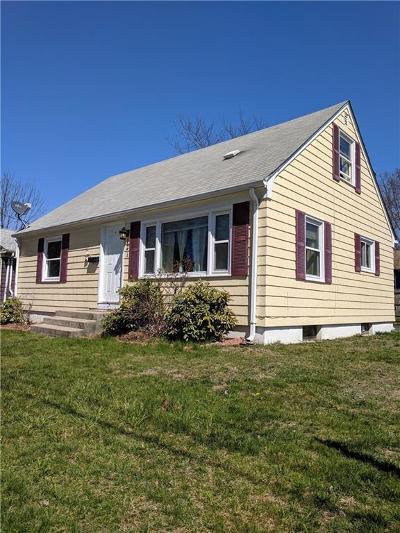 Cranston Single Family Home For Sale: 121 Beachmont Av