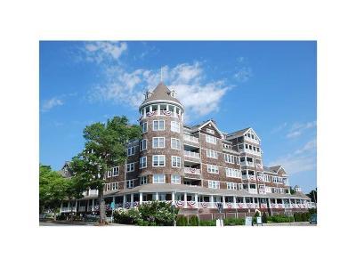 Jamestown Condo/Townhouse For Sale: 53 Conanicus Av, Unit#1f #1F
