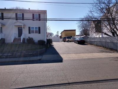 Pawtucket Condo/Townhouse For Sale: 54 Columbia Av