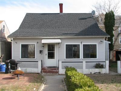 Central Falls Single Family Home For Sale: 132 Lincoln Av