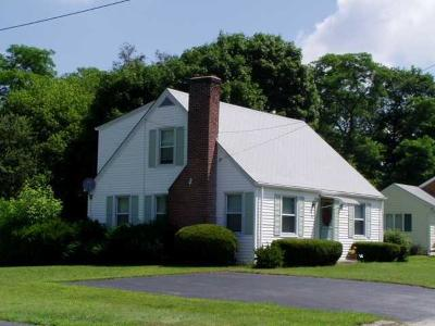 Bristol County Single Family Home Act Und Contract: 36 Dyer St