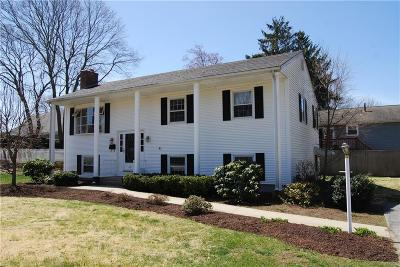 East Greenwich Single Family Home For Sale: 40 Power St