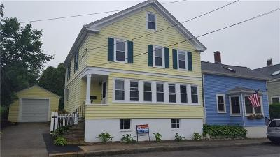 Newport Single Family Home For Sale: 19 Connection St