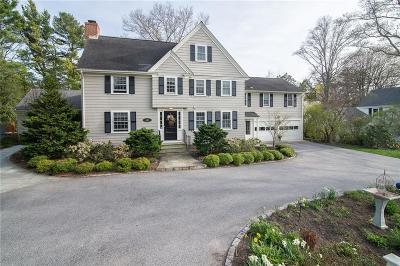 Bristol County Single Family Home For Sale: 449 Nayatt Rd