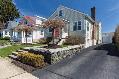 Newport Single Family Home Act Und Contract: 37 Almy St