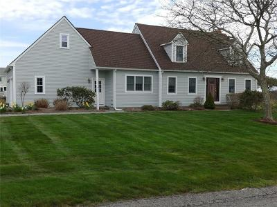 Middletown Single Family Home For Sale: 104 River Run