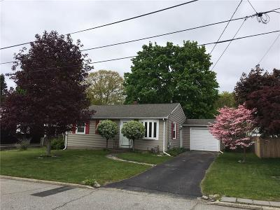 East Providence Single Family Home For Sale: 25 Cedarwood Dr