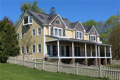 Portsmouth Single Family Home For Sale: 2269 East Main Rd
