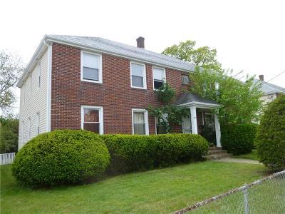 Pawtucket Multi Family Home For Sale: 825 Central Av