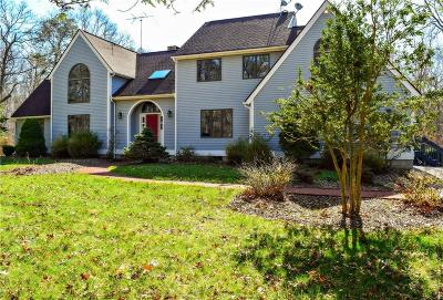 South Kingstown Single Family Home For Sale: 80 Hummingbird Hollow
