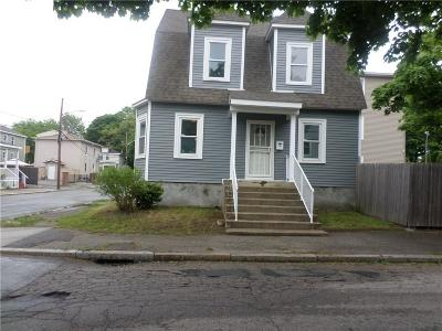 Providence RI Single Family Home For Sale: $189,000