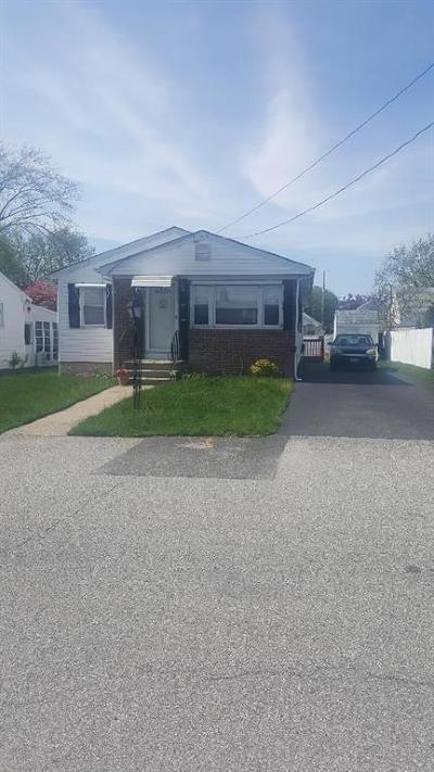 Johnston Single Family Home For Sale: 63 Victor Av