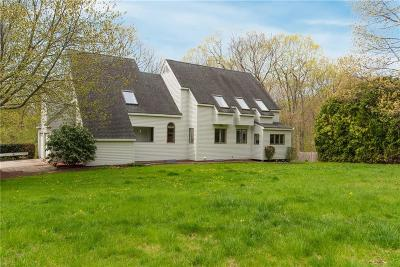 East Greenwich Single Family Home For Sale: 95 Adirondack Dr