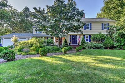 Warwick Single Family Home For Sale: 205 Narragansett Bay Av