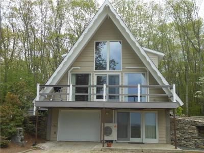 Scituate Single Family Home For Sale: 105 Quaker Lane