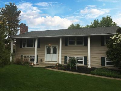 East Greenwich Single Family Home For Sale: 5 Midlands Dr