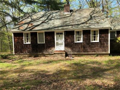 East Greenwich Single Family Home For Sale: 216 Shady Hill Dr