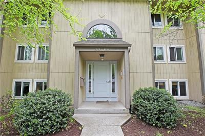 Lincoln Condo/Townhouse Act Und Contract: 400 New River Rd, Unit#602 #602