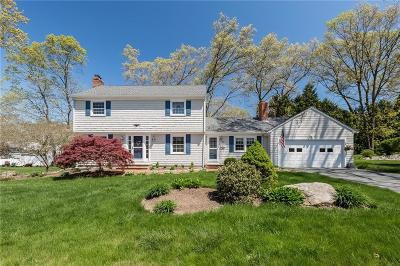 East Greenwich Single Family Home For Sale: 49 Locust Dr