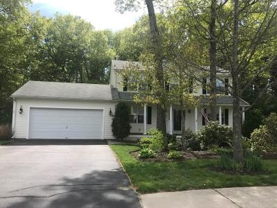 Coventry Single Family Home For Sale: 22 Woodmist Cir