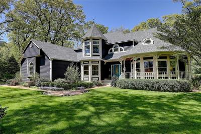 Bristol County Single Family Home For Sale: 4 River Oak Rd