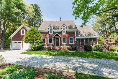North Kingstown Single Family Home For Sale: 614 Fletcher Rd