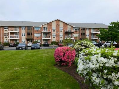 East Providence Condo/Townhouse For Sale: 27 Bullocks Pt Av, Unit#2b #2B