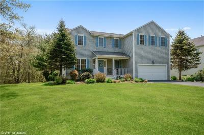 North Kingstown Single Family Home For Sale: 218 Westmoreland Lane