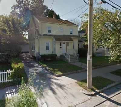 Providence RI Single Family Home For Sale: $134,900