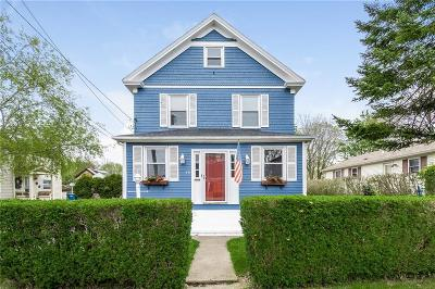 Newport Single Family Home For Sale: 19 Halsey St