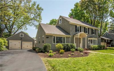Bristol County Single Family Home For Sale: 36 Walnut Rd