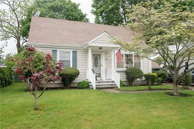 East Providence Single Family Home For Sale: 98 Circuit Dr
